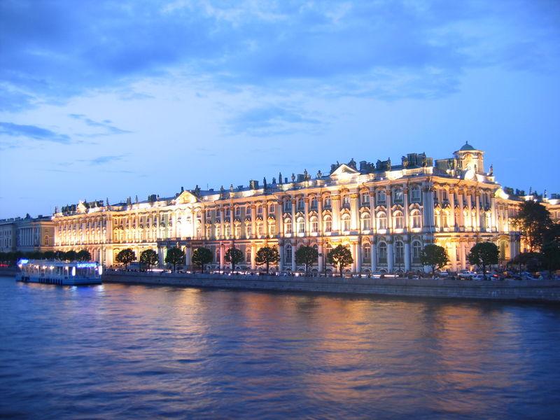Где заказать интересную экскурсию по Санкт-Петербургу?