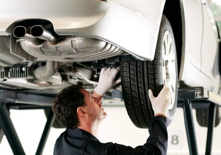 Где оказывают  ремонт автомобиля в Санкт-Петербурге? Автосервисы.