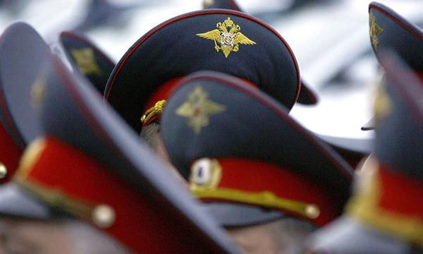 Куда пожаловаться на полицейского в Санкт-Петербурге? Подать жалобу на полицейского.