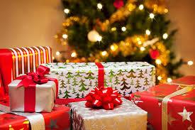 Где купить подарки в Петербурге к Новому году?