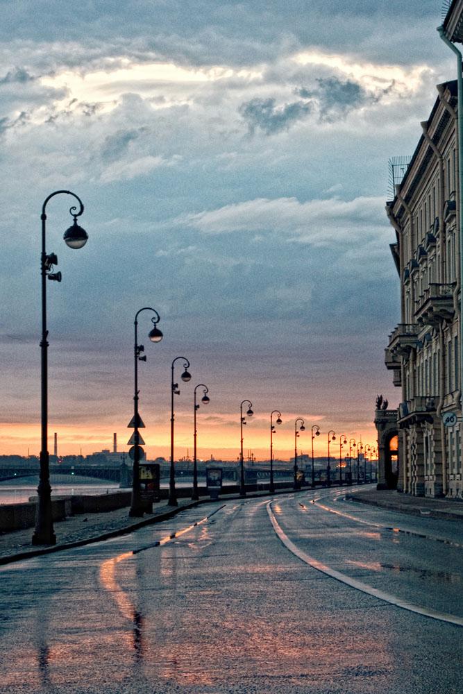 Набережные Санкт-Петербурга: где погулять жителю города?