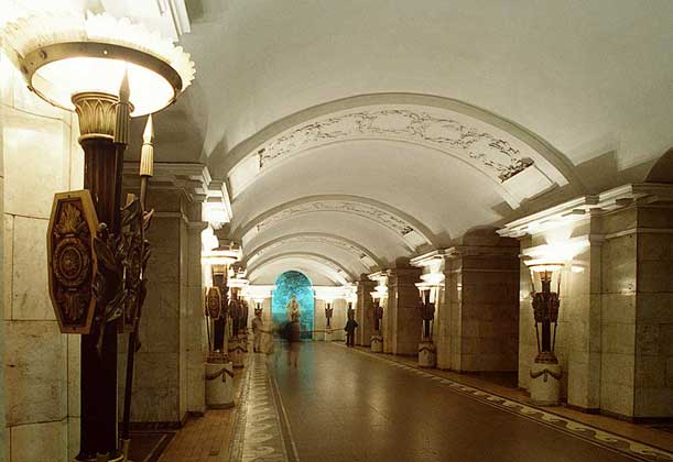 В чем особенности станций метро в Санкт-Петербурге?