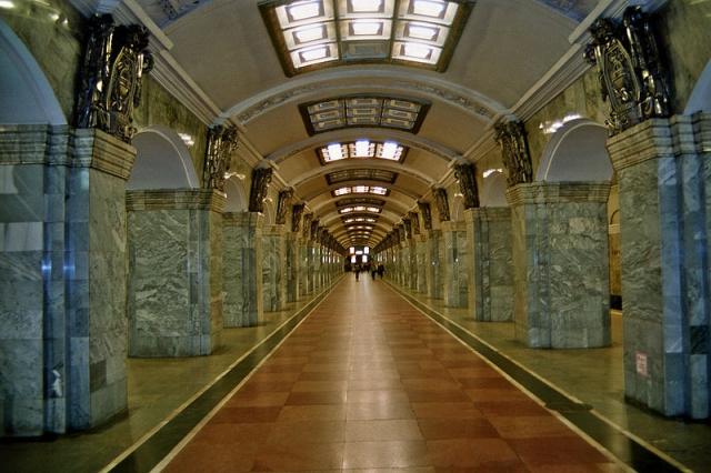 Какая станция метро в Санкт-Петербурге самая глубокая?