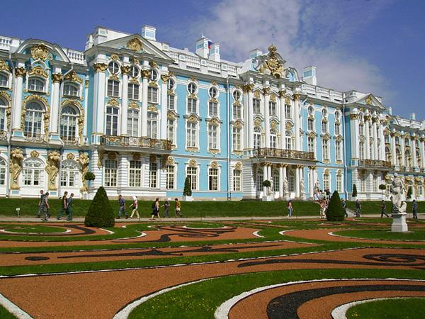 Какие объекты интересны археологам в Санкт-Петербурге?